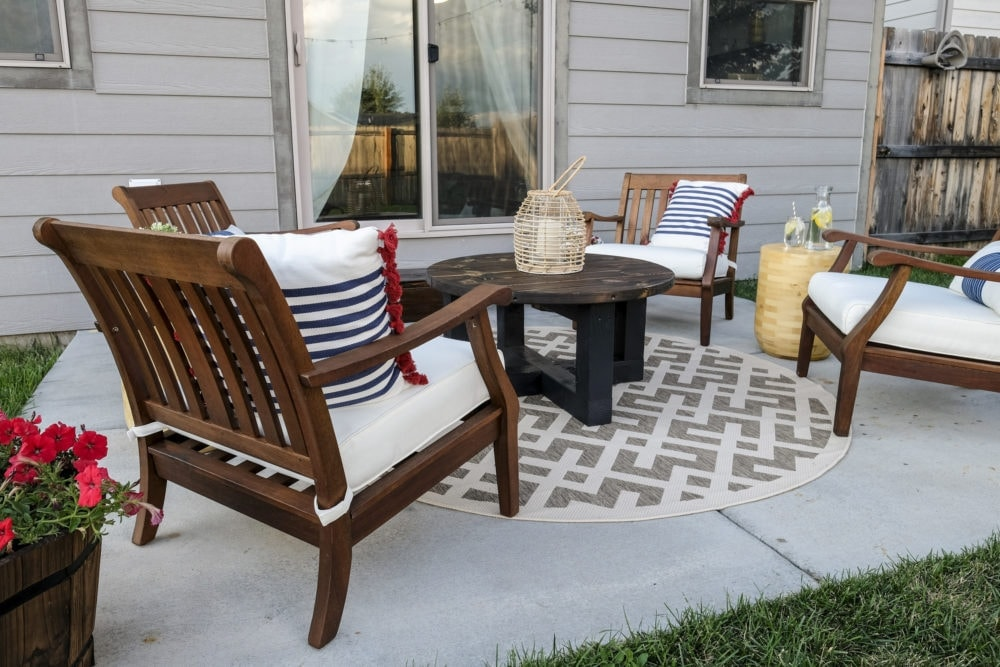 outdoor back patio makeover