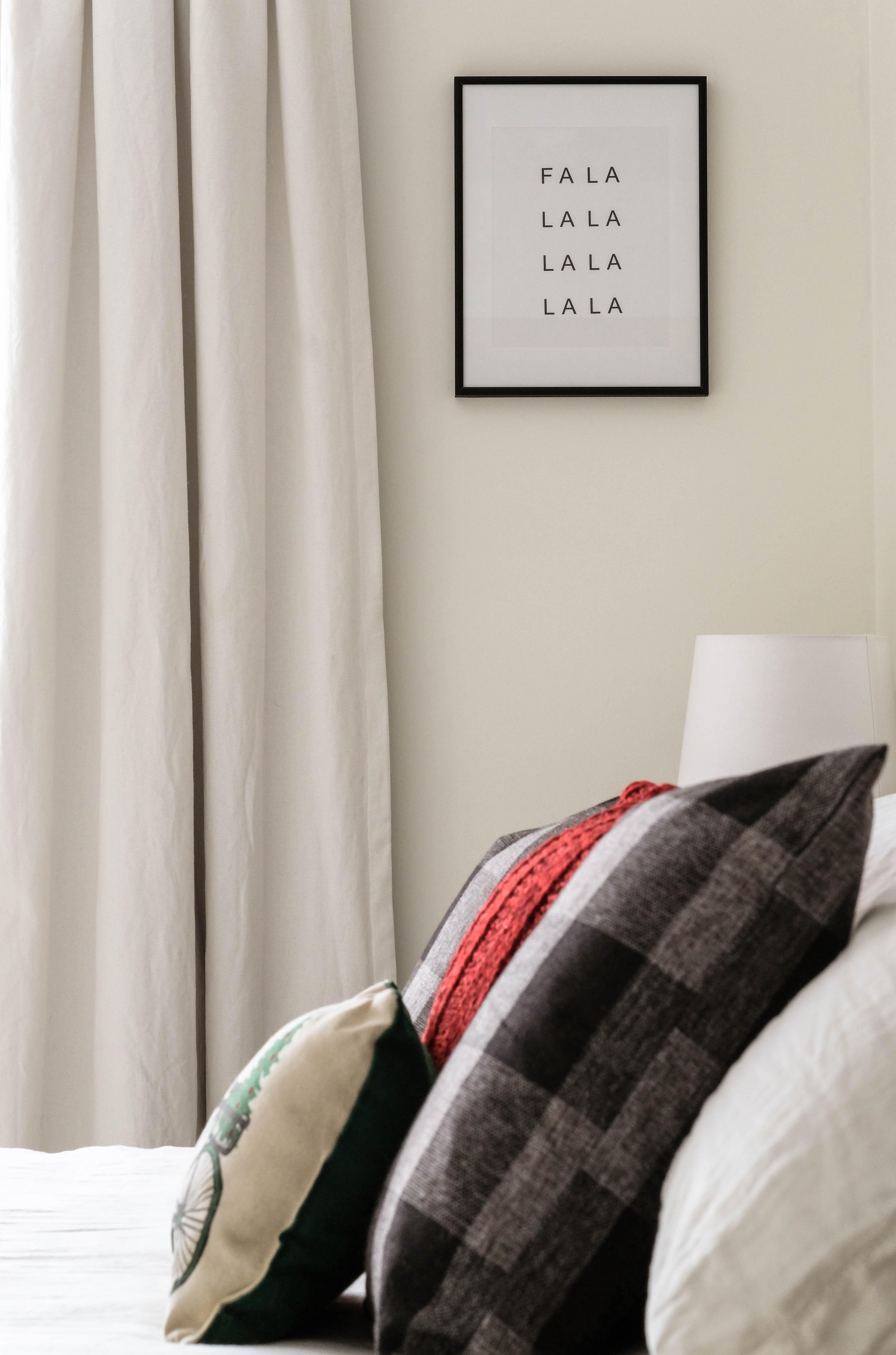 """canvas print for christmas decoration """"FA LA LA LA LA LA LA LA LA"""""""