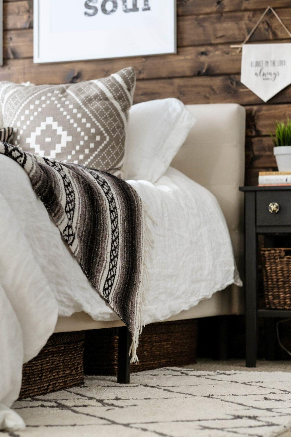 A Modern Rustic Bedroom | See how to blend two styles to create a modern rustic bedroom that is oh so cozy | Joyfully Growing Blog