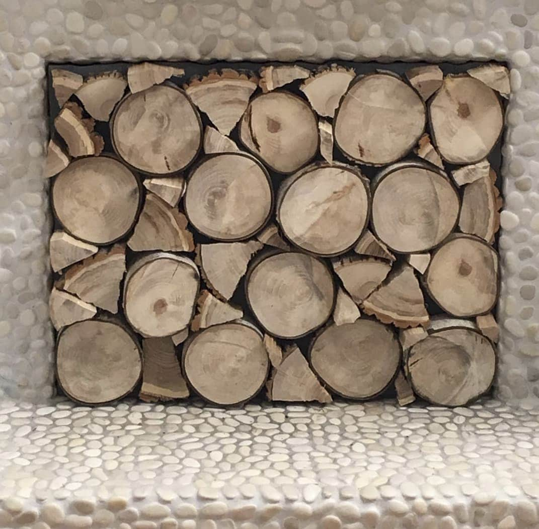 Square fireplace insert with stacked logs