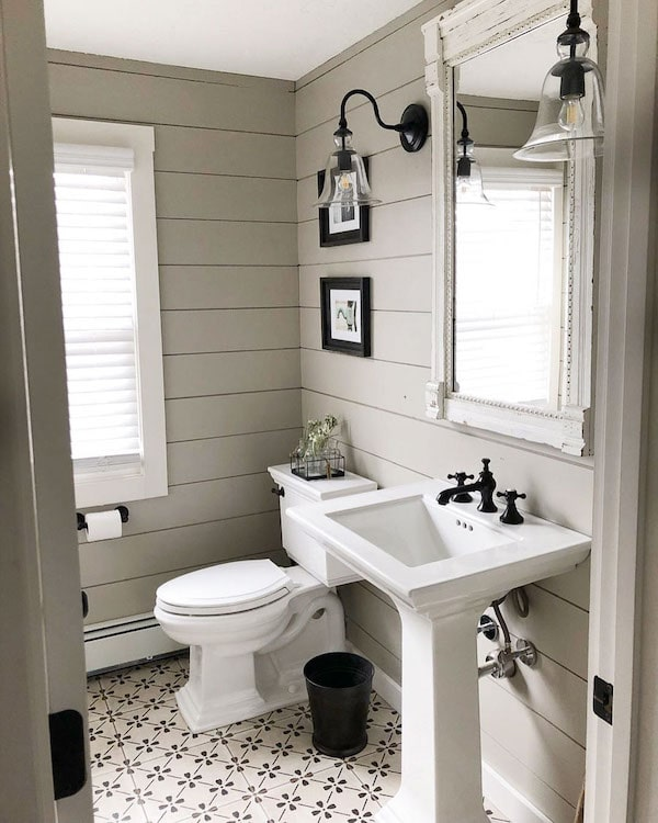 bathroom with Anew Gray walls